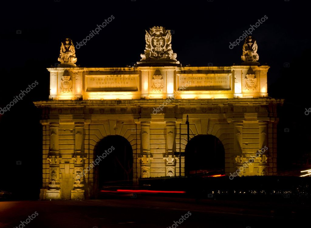 Floriana Gate at night - Malta — Stock Photo #11260903