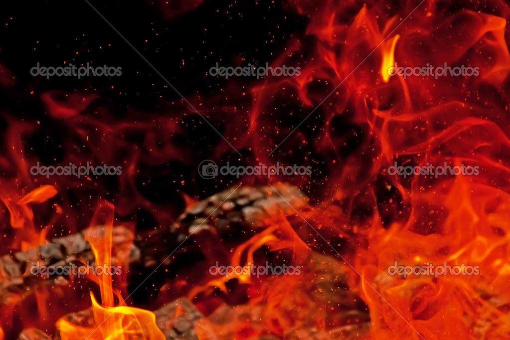 A blazing campfire with sparks — Stock Photo #11902692