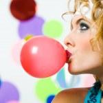 吹泡泡糖 — 图库照片 #11147164