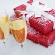 Present and champagne - Foto de Stock