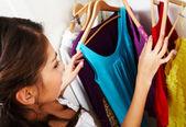 Escolher o que vestir — Foto Stock