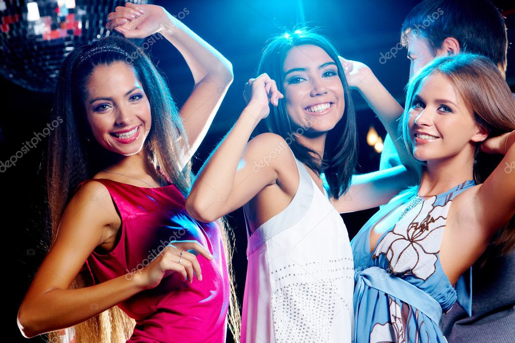 Девки веселятся на вечеринках фото 297-444