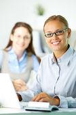 Gelukkig kantoor werknemer — Stockfoto