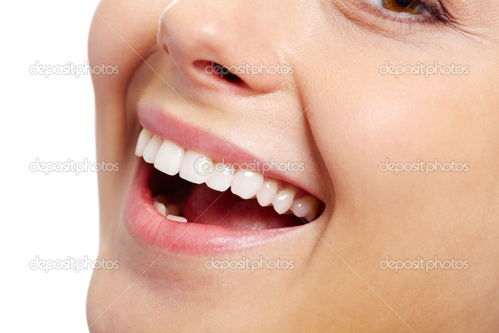 Close-up of fresh girl with healthy white teeth smiling — Stock Photo #11628568