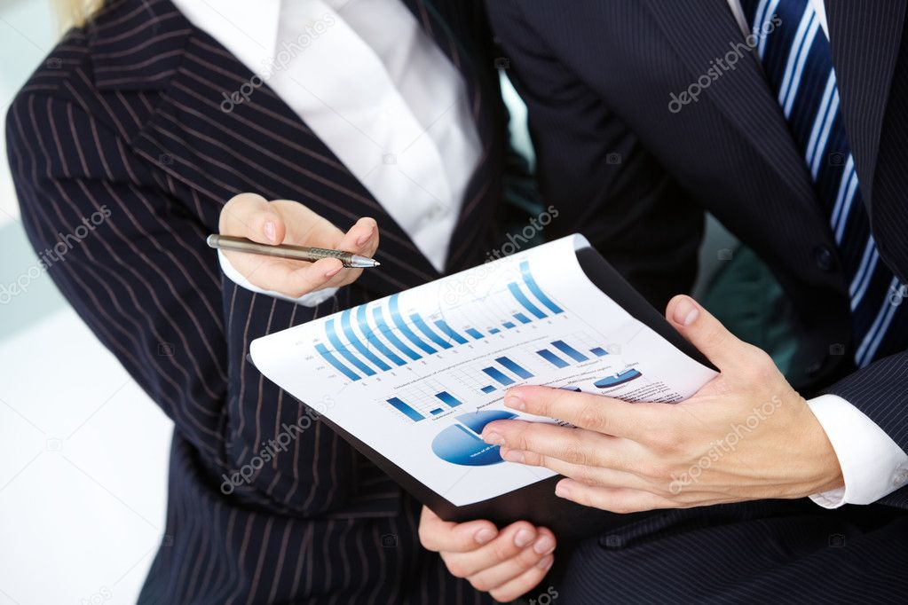 Image of human hand pointing at paper during explanation — Stockfoto #11631962