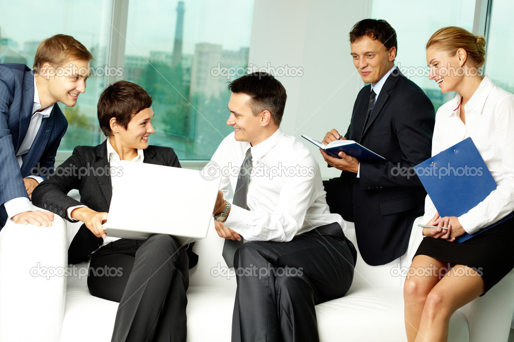 Five business communicating in office — Foto Stock #11632666