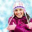Smiling girl in winter — Stock Photo #11669927