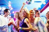 Tanzen auf party — Stockfoto