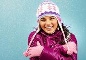 冬の女の子の笑顔 — ストック写真