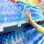 Flaschen mit Wasser — Stockfoto