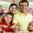 Family at shop — Stock Photo