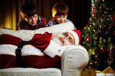 圣诞老人和孩子们 — 图库照片