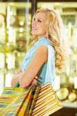 Mujer con bolsas — Foto de Stock