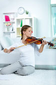 Glad violinist — Stockfoto
