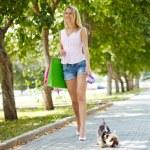 wandelen met de hond — Stockfoto