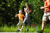 Fare jogging all'aperto — Foto Stock