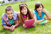 Uczniowie w czasie wolnym — Zdjęcie stockowe