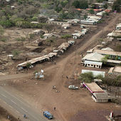Vista aérea de chozas en tanzania, África — Foto de Stock