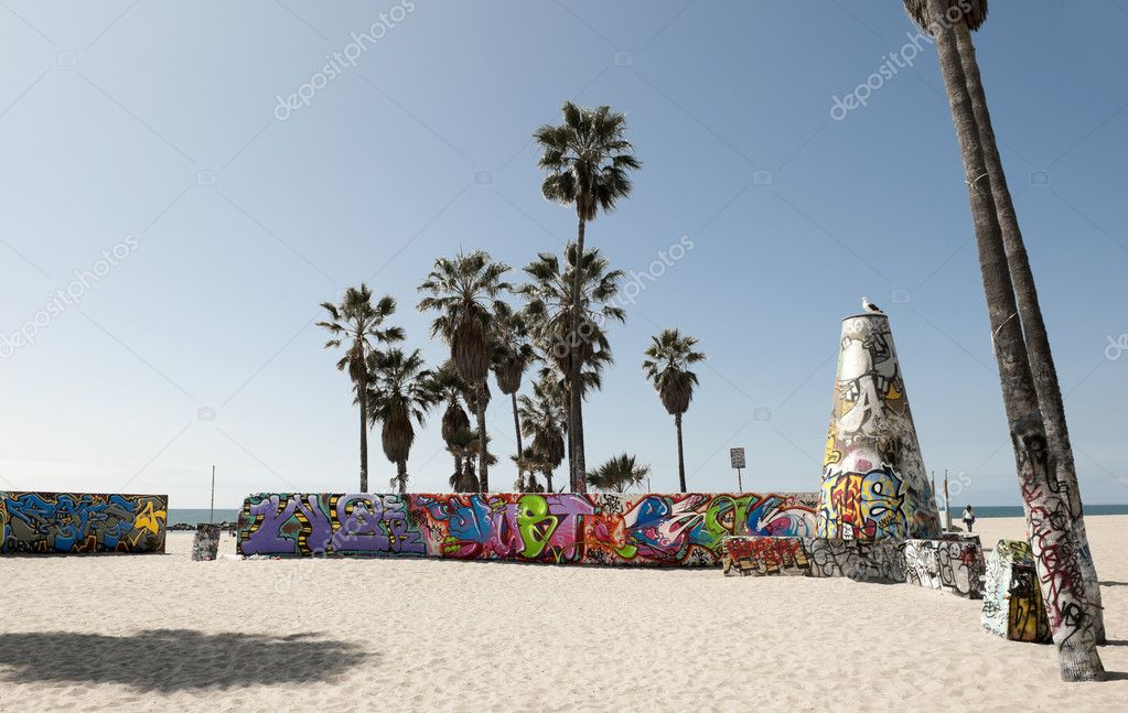 Art walls on Venice beach, Los Angeles, California, USA — Stock Photo #11718630