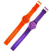 Oranžové a fialové plastové hodinky izolovaných na bílém — Stock fotografie