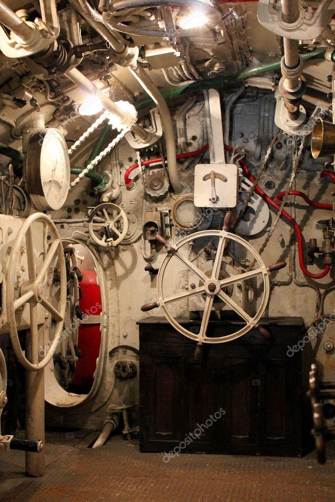 Cabina di pilotaggio di un sommergibile italiano della for Piani moderni della cabina di ceppo