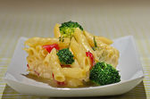 Spaghetti and broccoli — Stock Photo