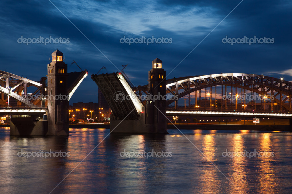 Night bridges Saint Petersburg — Stock Photo #11009639