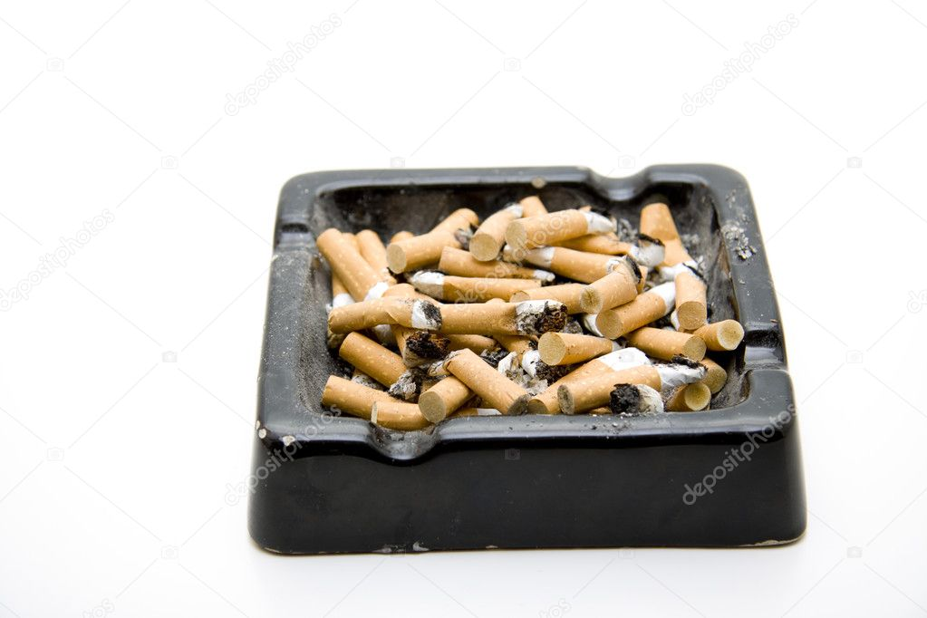 Ashtray completely with Zgaretten and ash on white background — Stock Photo #10861574