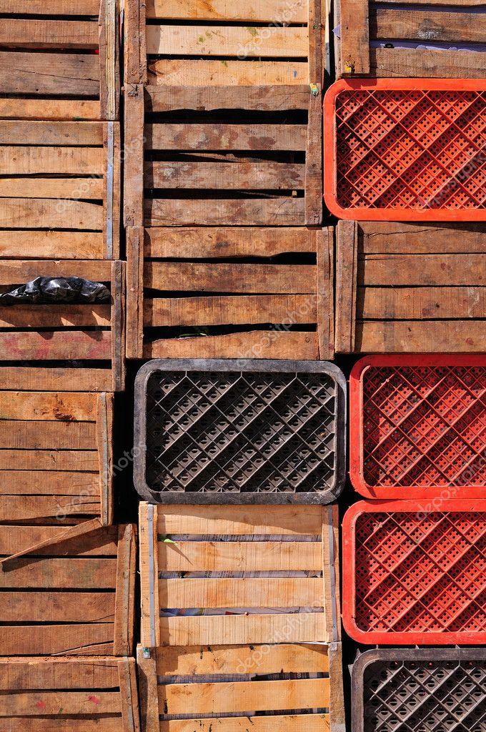 vieilles caisses en bois photographie fla 10916354. Black Bedroom Furniture Sets. Home Design Ideas