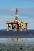 Offshore oil platform — Stock Photo