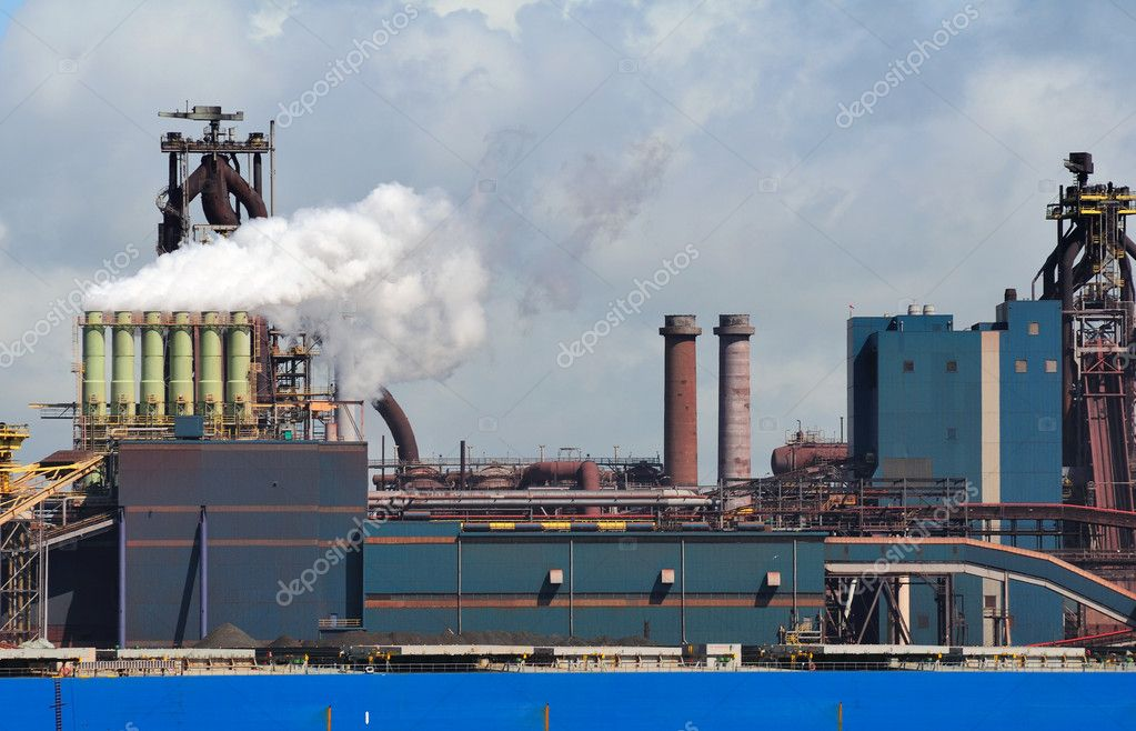 Factory with smoke on sky — Stock Photo #10929634