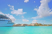 Beautiful cruise ship docked in Nassau - Bahamas — Stock Photo