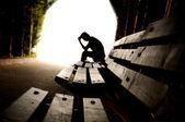 抑郁症、 青少年抑郁症、 隧道、 年轻 — 图库照片