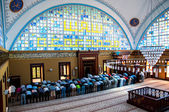 Muslims who worship in prayer istanbul Turkey — Stock Photo