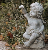 Statue of a small angel 02 — Stock Photo