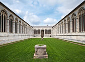Cemetery at Cathedral Square in Pisa, Italy — Stock Photo
