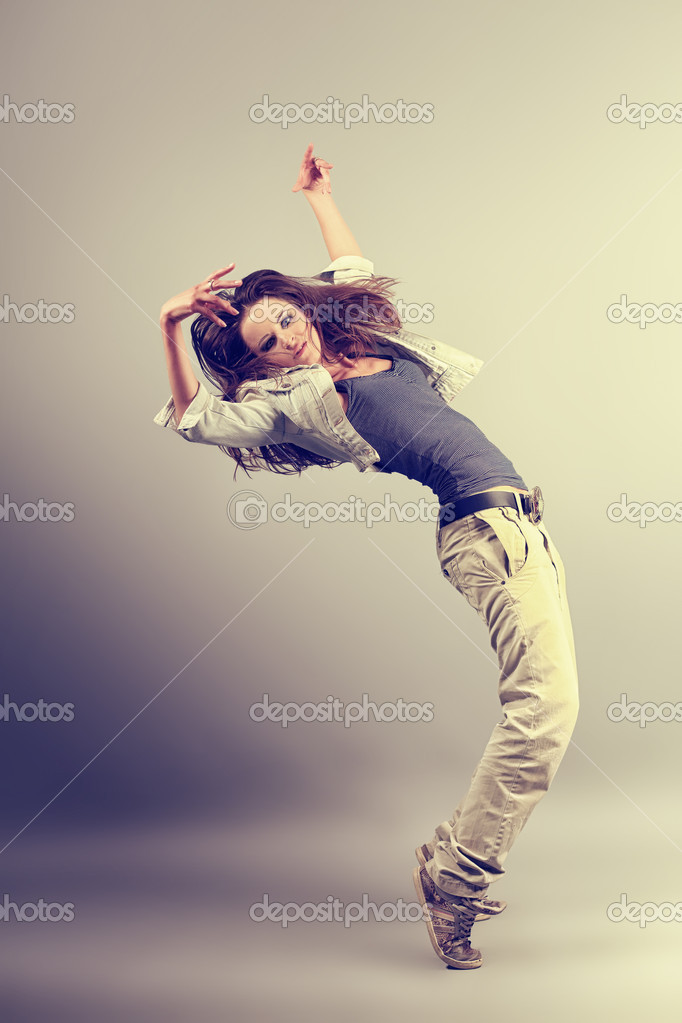 Teenage girl dancing hip-hop at studio. — Stock Photo #10952514