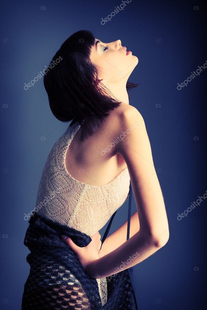 Portrait of a female model, fashion shot. — Stock Photo #10996057