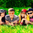 Foto Stock: Friends summer
