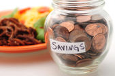 Budgeting to save money on food — Stock Photo