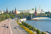 View of the Kremlin from the Patriarchal Bridge. Moscow — Stock Photo