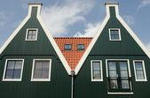两个房子在 volendam — 图库照片