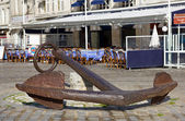 Huge ancient anchor - La Rochelle — Stock Photo