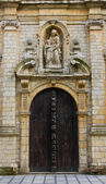 非常に古い教会の入口 — ストック写真