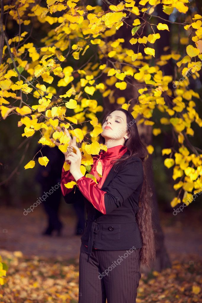 Woman enjoing autumn dreams — Stock Photo #10821671