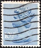 UNITED KINGDOM - CIRCA 1971: A stamp printed in United Kingdom shows a portrait of Queen Elizabeth II, circa 1971. — ストック写真