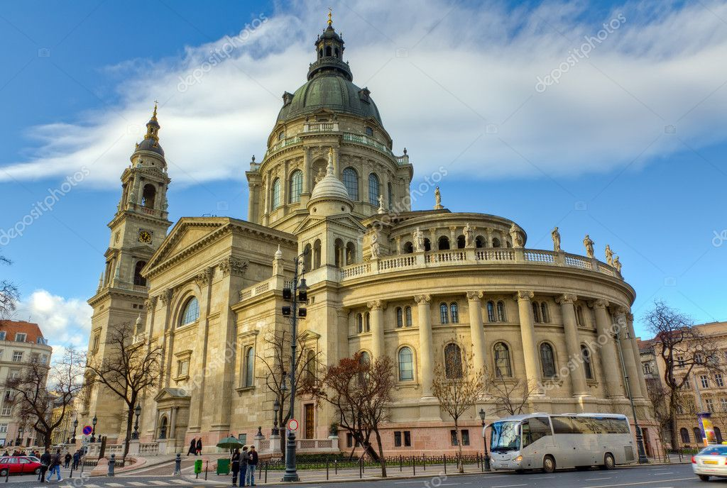 HDR photo of Saint Stephen basilica, Budapest, Hungary — Stock Photo #10997852