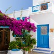 Traditional cycladic architecture in Plaka village, Milos island, Greece — Stock Photo