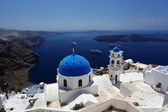 Santorini with Traditional Church in Fira, Greece — Stock Photo