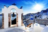 令人惊叹的圣托里尼岛与教会和希腊海景 — 图库照片